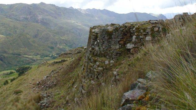 Autoridades restauran el pequeño Machu Picchu de Huari. (Magno Nava)