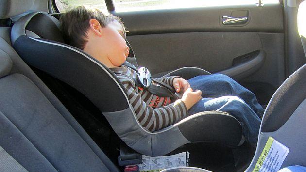 Proyecto de ley plantea que ni os viajen en asiento for Silla para ninos carro