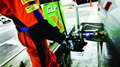 Combustible, Grifos, Estaciones de servicio