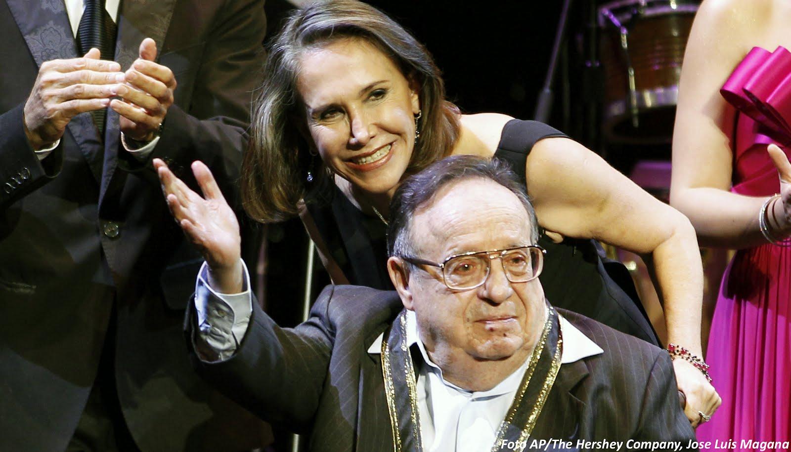 Florinda Meza y Roberto Gómez Bolaños se conocieron cuando grababan la serie El Chavo del 8. (AP)