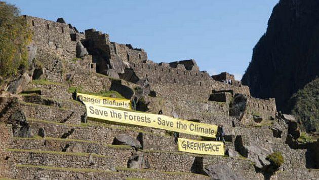 Greenpeace y las banderolas que desplegaron en Machu Picchu durante la V Cumbre ALC-UE. (Archivo)