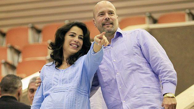 Gerardo Hernández y de su esposa, Adriana Pérez. (Reuters)