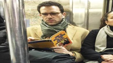 Diez momentos desafortunados para leer en público [Fotos]