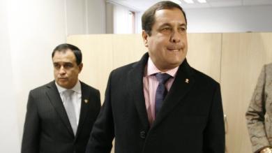 Congresista, Luis Iberico