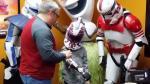 'Star Wars': Niño recibió prótesis inspirada en la saga - Noticias de liam esquenazi vertiz