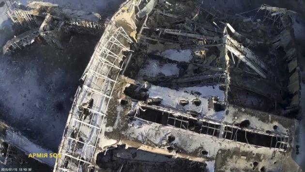 Ucrania: Drone muestra destrucción en aeropuerto de Donetsk [Video]