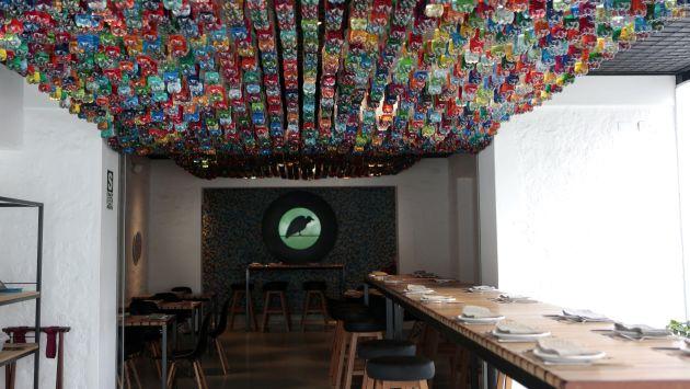 Cosme un restaurante lime o con espacio sano y for Decoracion de pared para restaurante