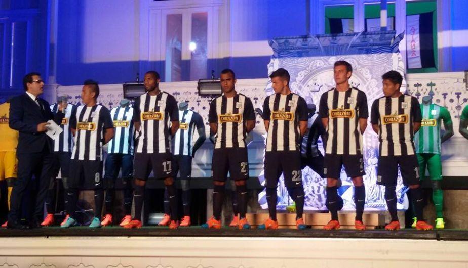 Alianza Lima presentó sus nuevas 'pieles' para el 2015
