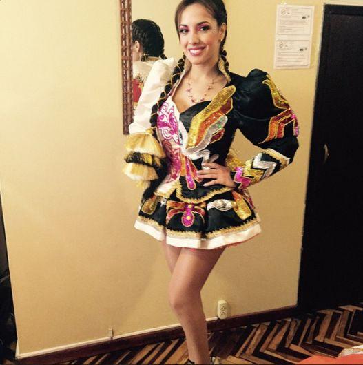Rosangela Espinoza cautivó en la Fiesta de la Virgen de la Candelaria ...