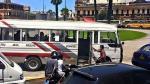Facebook: Cúster de Orión invadió área peatonal de la plaza Bolognesi - Noticias de cercado de lima
