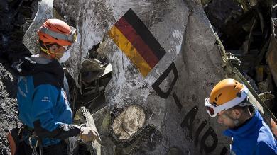 Germanwings: Lufthansa evitó dar explicaciones en su homenaje a víctimas