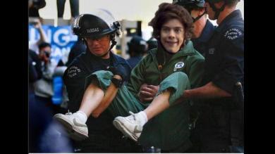 Twitter: ¿La Policía detuvo a Harry Styles de One Direction?