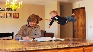 Instagram: Padre 'hace volar' a su hijo con síndrome de Down [Fotos]