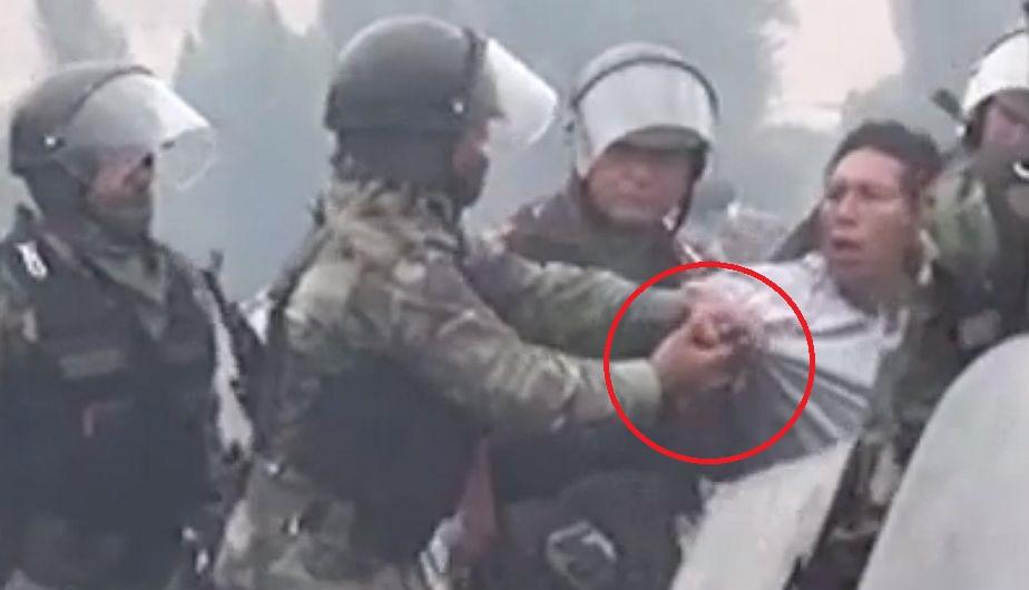 Tía María: Denuncian con video que Policía 'sembró' arma a manifestante