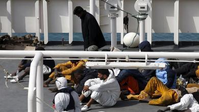 Italia busca respuestas al naufragio: ¿Cuántos eran y por qué se hundieron?