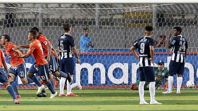 Alianza Lima, Romeo Santos y la eterna desconcentración íntima. (Foto: Luis Gonzales)