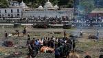 Nepal: La cifra de muertos por terremoto superó los 4,000 [Fotos y video] - Noticias de policias muertos