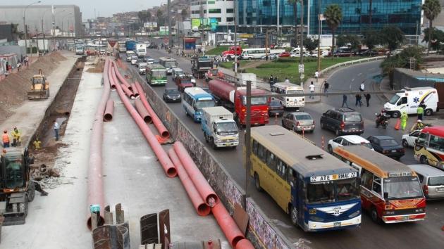 Metro de Lima. Buscan descongestionar las vías. (Martín Herrera/USI)
