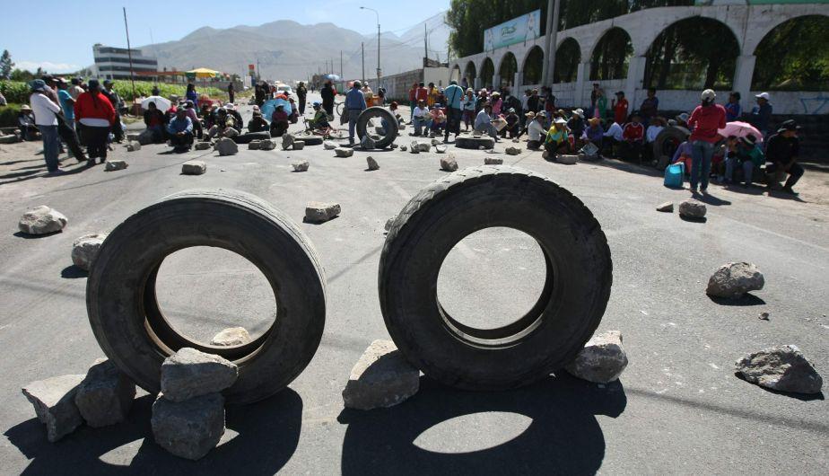 Ocho heridos durante enfrentamientos en Cocachacra por el proyecto Tía María. (Omar Cruz)