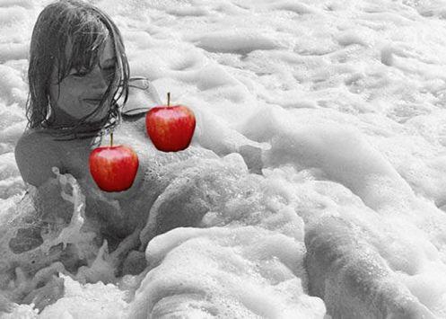 El editor prefirió colocar manzanas rojas en las partes íntimas o consideradas impúdicas por parte de Apple