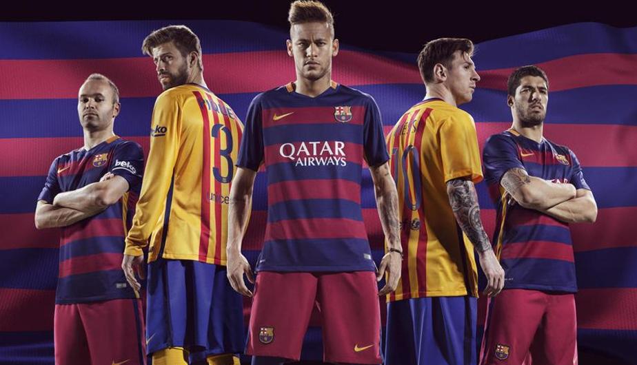 Barcelona luciendo su nueva camiseta. (Barcelona)