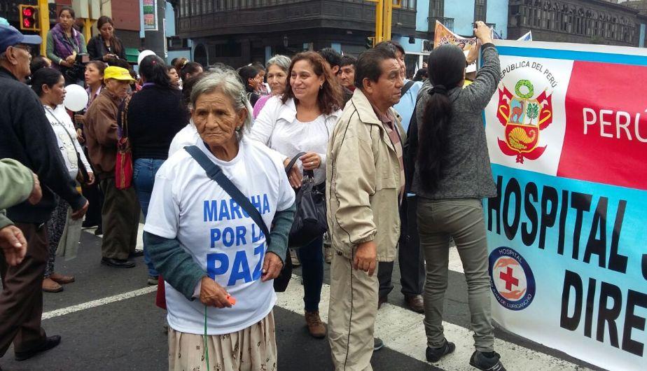 Marcha por la paz convocó a cientos de personas (César Takeuchi)