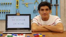 Un peruano inventó un teclado braille para computadoras y ahora viajará a Sillicon Valley