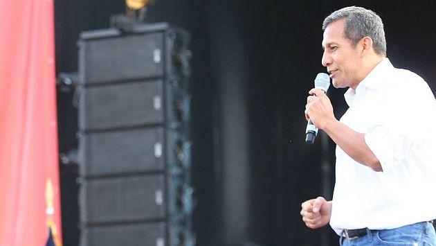 Ollanta Humala anuncia concesión a 83 hectáreas del Lago Titicaca. (Difusión)