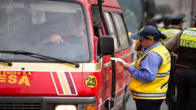 Municipalidad de Lima envió al depósito a unidades de empresas que no se adecuaron a ordenanza