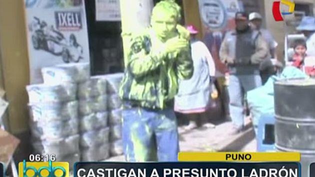 Presunto ladrón fue amarrado a un poste, golpeado y bañado en pintura en Puno. (BDP)