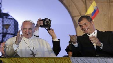 Papa Francisco tuvo diálogo reservado con presidente Rafael Correa [Fotos y video]