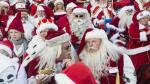 Cientos de Papás Noel se dieron cita en Dinamarca. (Reuters)