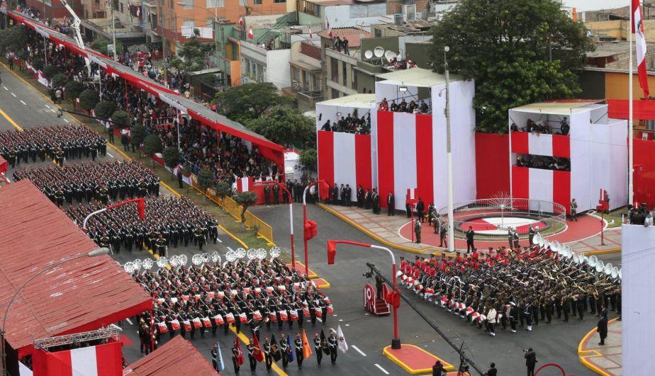 Parada Militar congregó a gran cantidad de espectadores. (Andina)