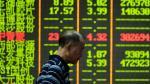 China: Bolsa de Shanghái se desplomó 8.48% y arrastró a otros mercados