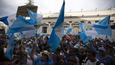 Guatemala: Ciudadanos festejaron retiro de inmunidad a presidente Otto Pérez