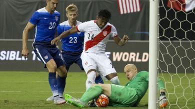 Perú perdió 2-1 ante Estados Unidos en un amistoso en Washington