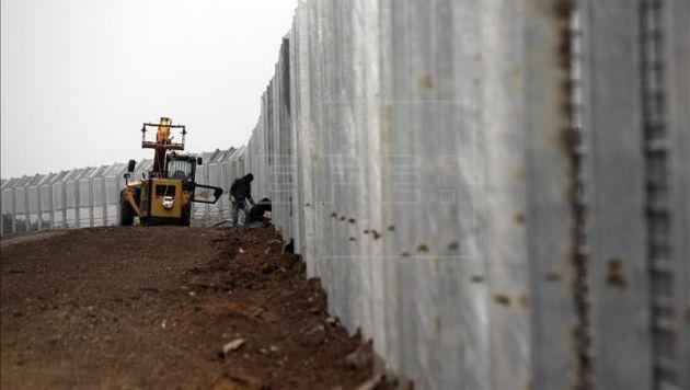 Israel inició construcción de muralla en frontera con Jordania para evitar paso de refugiados. (EFE/Referencial)