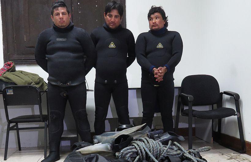 Capturaron a tres buzos que cargaban 188 kilos de cocaína en puerto del Callao. (Dirandro)