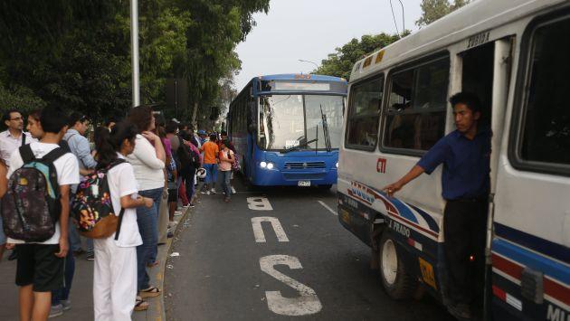 Municipalidad de Lima retirará 7 mil vehículos del Corredor Javier Prado (Peru21)