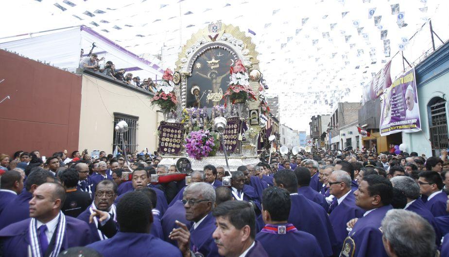 Señor de los Milagros inició su primer recorrido procesional en octubre. (Anthony Niño de Guzmán/Perú21)