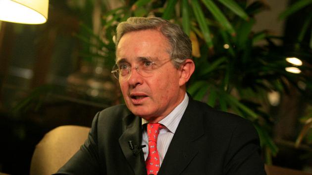 Exjefe paramilitar vinculó a Álvaro Uribe con matanza. (USI)
