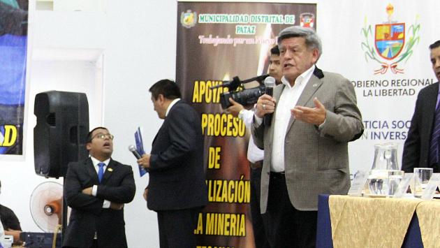 César Acuña aprovecharía acciones sociales para promocionar candidatura. (Alan Benites)