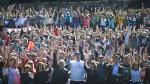 John Lennon: Yoko Ono, junto a 2 mil personas, realizó símbolo de la paz en homenaje al cantante - Noticias de yoko ono