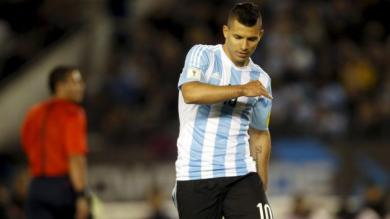 Argentina: Sergio 'Kun' Agüero sufrió desgarro en pierna izquierda y estará un mes fuera