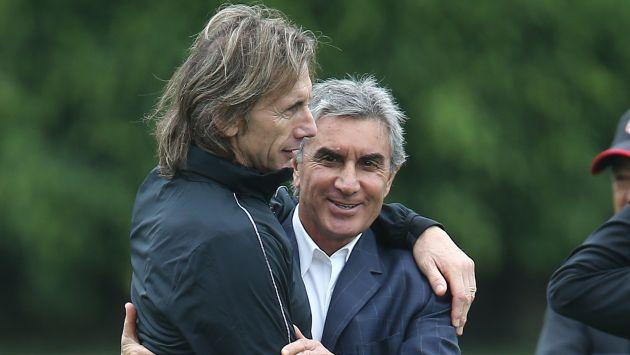 ¿Abrazo de despedida? Evalúan continuidad de Juan Carlos Oblitas en comando técnico de la selección peruana. (USI)