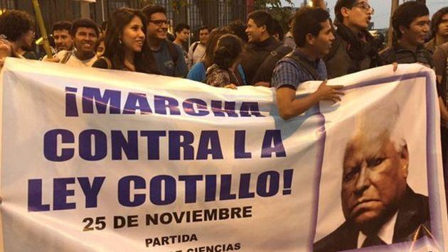 'Ley Cotillo': Universitarios marcharon para pedir archivamiento de proyecto