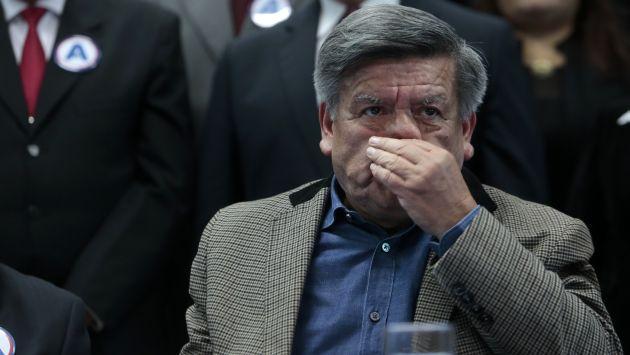 """SILENCIO. César Acuña negó ayer las acusaciones de agresión de su ex esposa. """"No es cierto lo que ella dice. Es su palabra contra la mía"""", dijo. (Nancy Dueñas)"""
