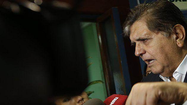 """Alan García a PPK: """"Muestre su certificado de renuncia a nacionalidad estadounidense"""""""
