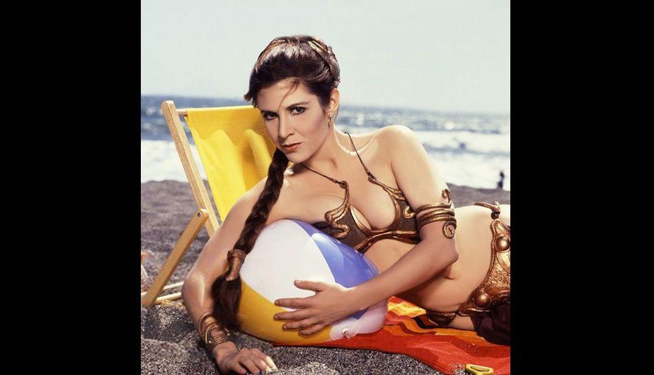 Estas fotos de Carrie Fisher como princesa Leia en la playa arrasaron Internet [Fotos]
