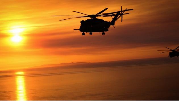 Hawai: Dos helicópteros militares se estrellaron en el mar (@USMC)